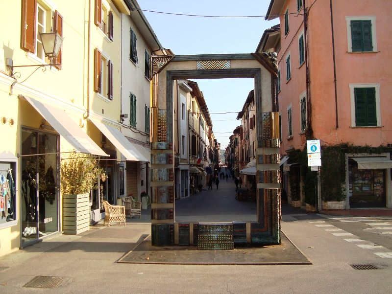 Lettings in Lido di Marina di Pietrasanta and Pietrasanta