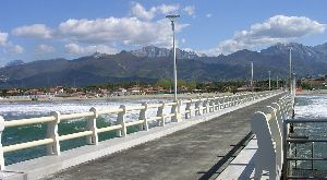 Forte dei Marmi   beach club   bridge