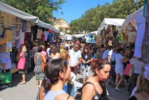 market   sunday forte dei marmi