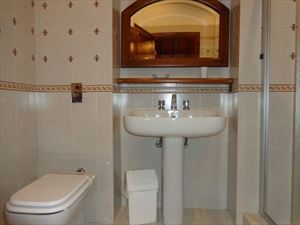 Villa  Belvedere  : Bagno con doccia
