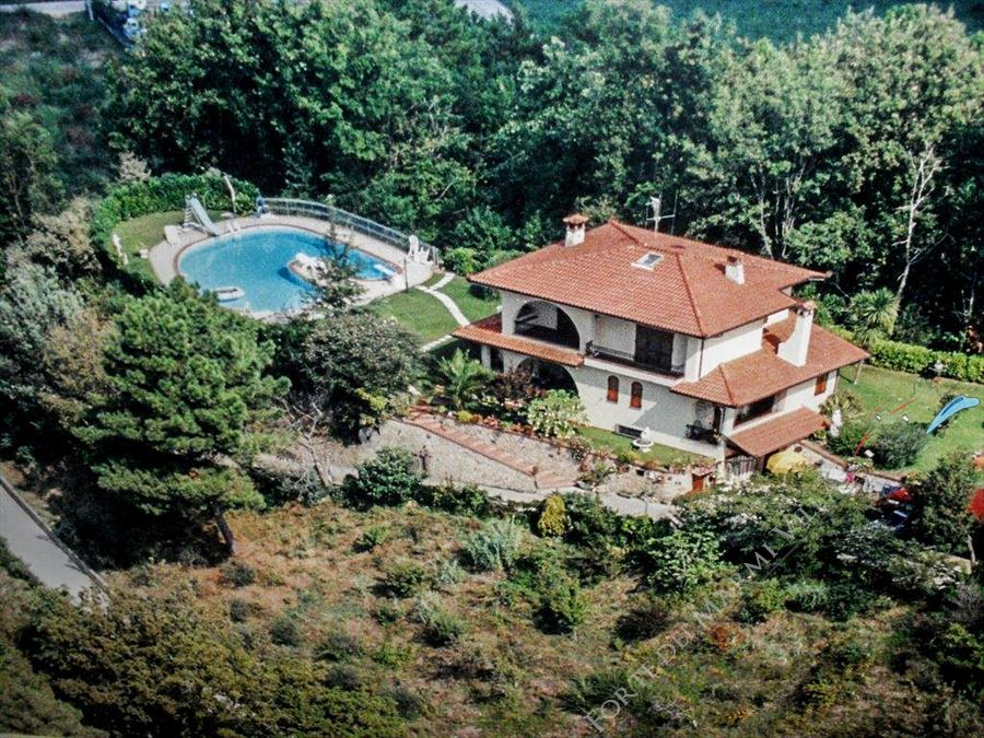 Villa Libellula detached villa for sale Camaiore