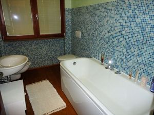 Villa Dalmazia : Bathroom with tube