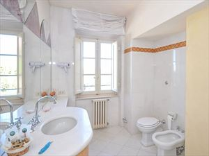 Villa Reale  : Bathroom with shower