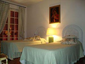 Villa Capannina   : спальня с двумя кроватями