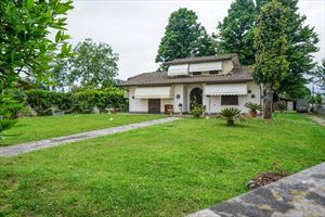 Rustico con Dependance : Villa singolaPietrasanta