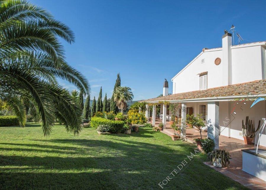 Villa Costa Etrusca detached villa for sale Costa degli Etruschi