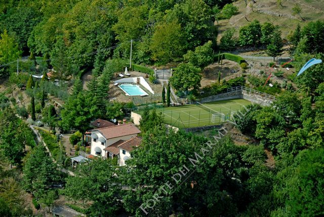 Villa Veronica detached villa to rent and for sale Pistoia