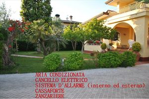 Villa Fiorita : Outside view