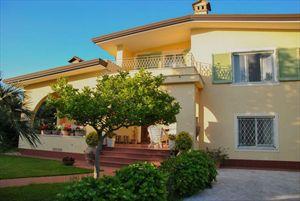 Villa Fiorita: Отдельная вилла Форте дей Марми
