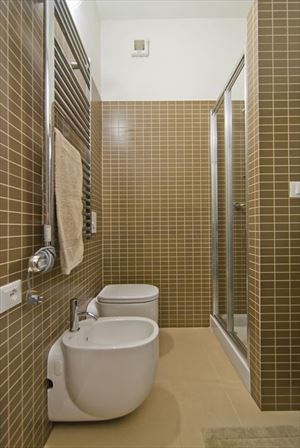 Appartamento Ulisse : Ванная комната с душем