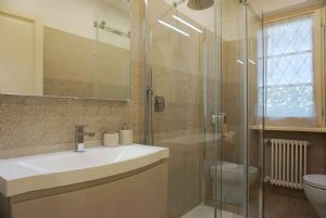 Villa Zora : Ванная комната с душем
