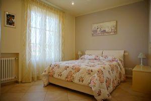 Villa Zora : спальня с двуспальной кроватью