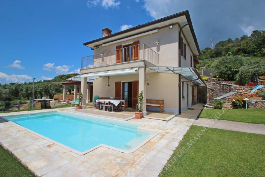 Villa Palatina detached villa to rent and for sale Pietrasanta
