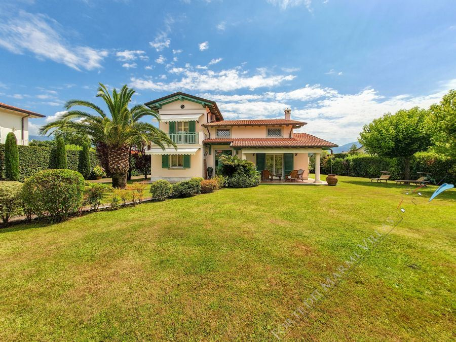 Villa Magnifica Forte detached villa to rent Forte dei Marmi