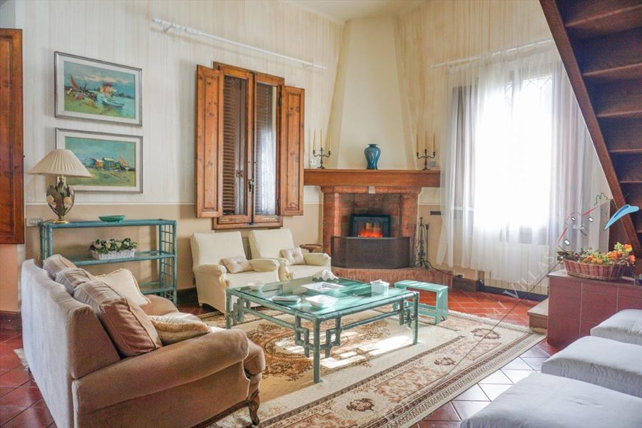 Villa Hermitage detached villa to rent Forte dei Marmi