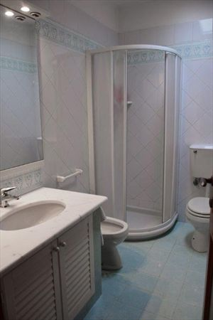 Villa Fiorita : Bathroom with tube