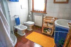 Villa Pietrasantese : Bagno con doccia