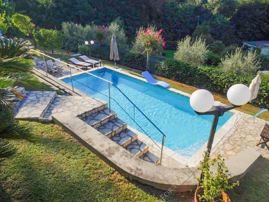 Villa Serendipity Detached villa  to rent  Camaiore