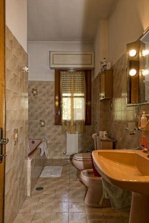 Villa Lucrezia : Bathroom