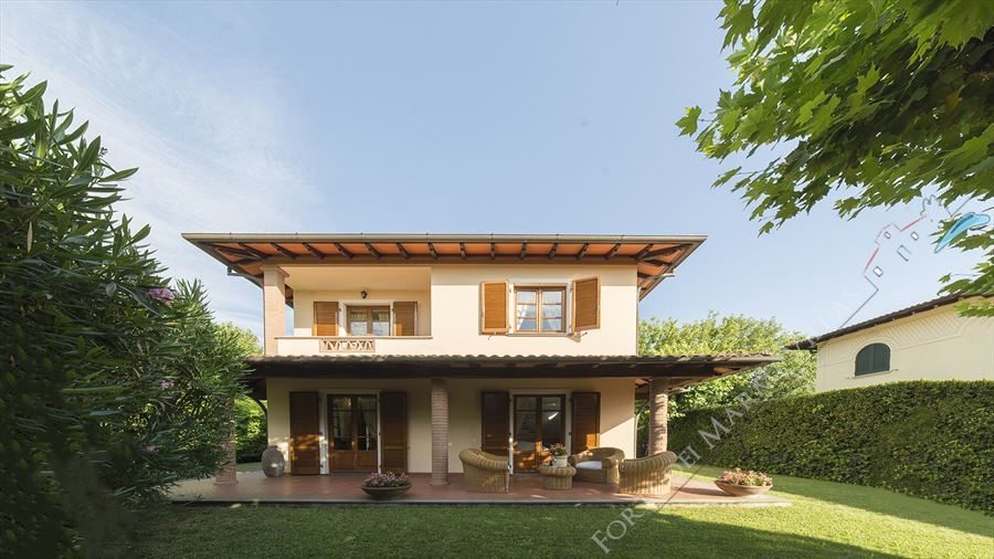 Villa Goya - Detached villa To Rent Forte dei Marmi