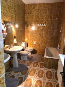 Villa Nike : Ванная комната с ванной