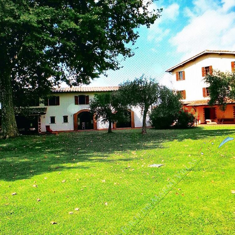 Tenuta Magna con parco - Detached villa to Rent and for Sale Pietrasanta