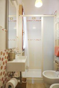 Villa Bixio : Bathroom with shower