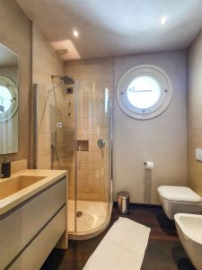 Villa Patrizia : Ванная комната с душем