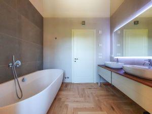 Villa Caravaggio : Bagno con vasca