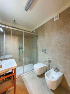 Villa Caravaggio : Bagno con doccia