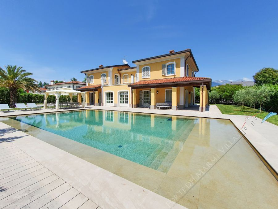 Villa Modigliani detached villa to rent and for sale Forte dei Marmi
