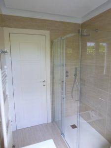 Villa Manu : Bagno con doccia