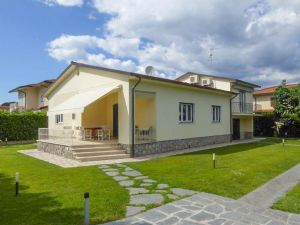 Villa Manu : Vista esterna