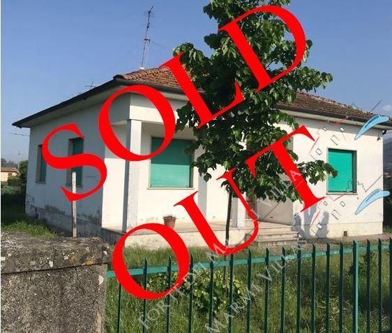 Villa    Campagna  Pietrasanta  5 комн.  на продажу  Пьетрасанта