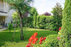Villa Liana: Semi detached villa Forte dei Marmi