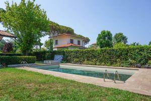 Villa Delfino: Detached villa Forte dei Marmi