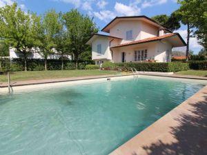 Villa Delfino : Villa singola in affitto Forte dei Marmi