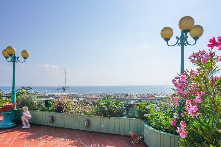 Attico Girasole - Apartment Lido di Camaiore