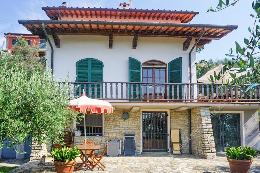 Villa del Panorama detached villa for sale Massarosa