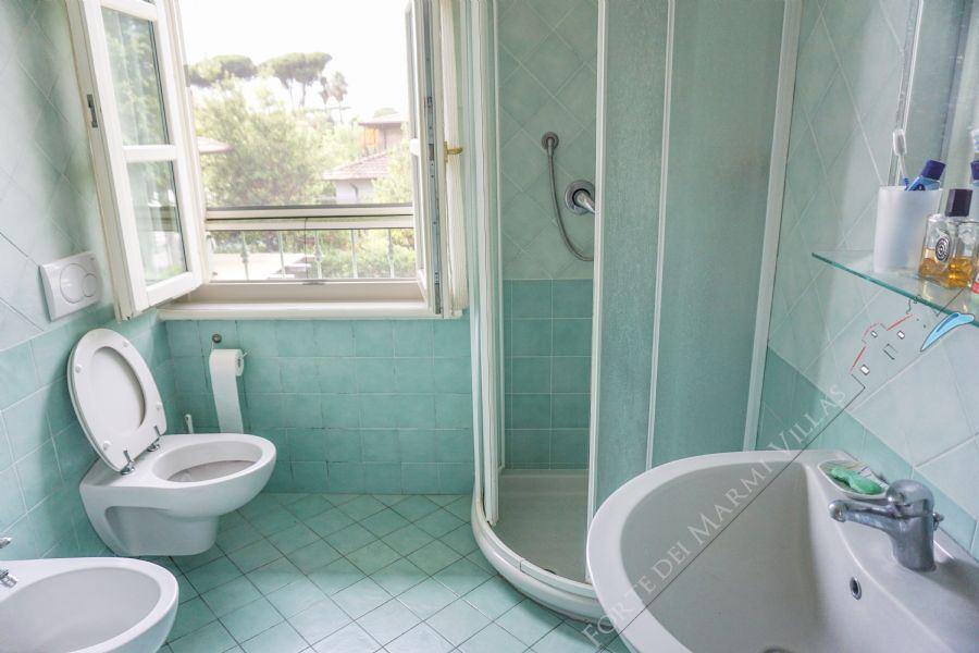 Appartamento Riccardo : Bathroom with shower