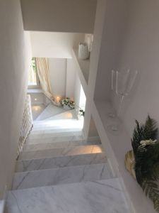 Ville del Borgo : Marble stairs