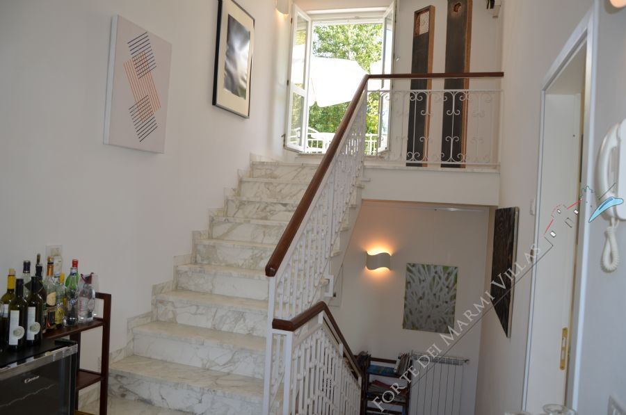 Villa Marina in Fiore : Marble stairs
