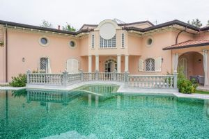 Villa Harmony : detached villa to rent and for sale Caranna Forte dei Marmi