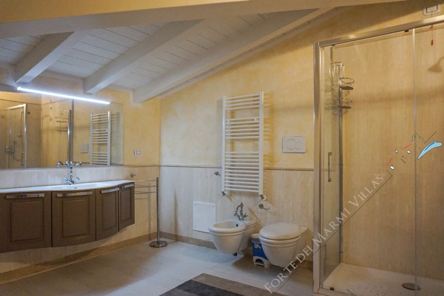Villa Harmony : Bathroom with shower