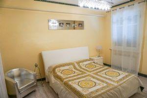 Attico Marina di Pietrasanta : спальня с двуспальной кроватью