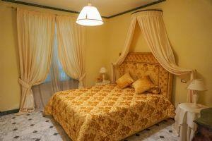 Appartamento Pontile : спальня с двуспальной кроватью