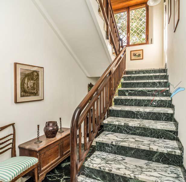 Villa Almarosa +  dependance : Scale di marmo