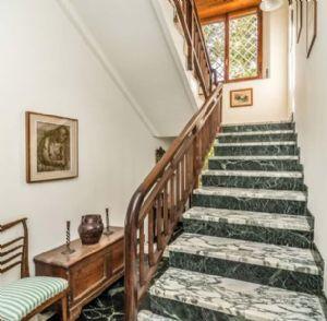 Villa Almarosa : мраморная лестница