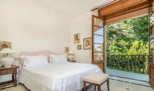 Villa Almarosa : спальня с двуспальной кроватью