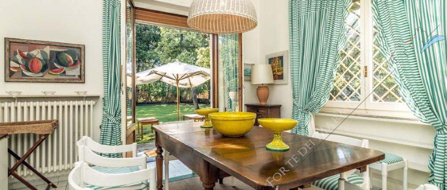 Villa Almarosa +  dependance : Sala da pranzo